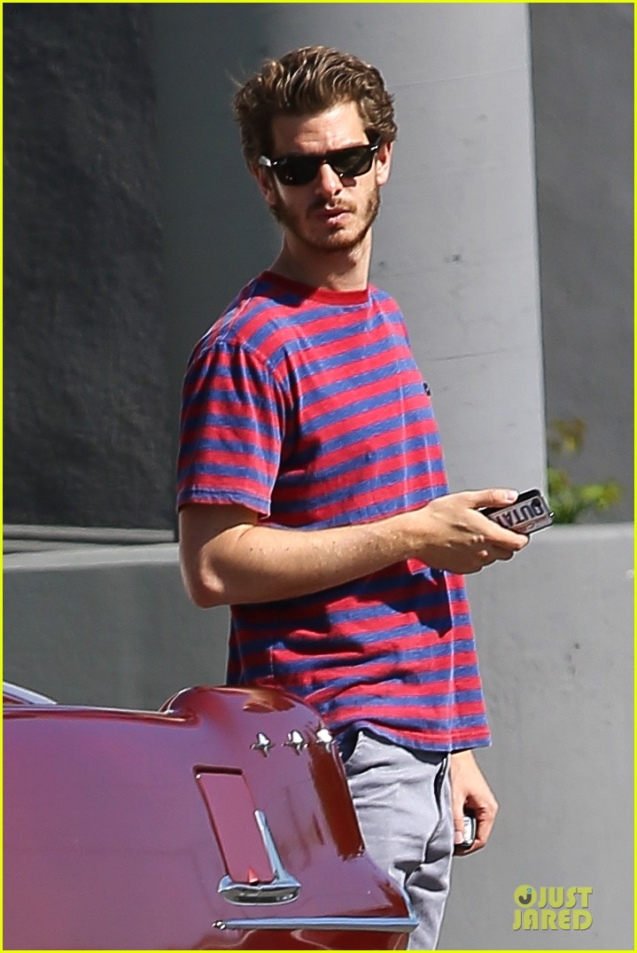 andrew garfield nautical sailing apparel shopping in venice 02