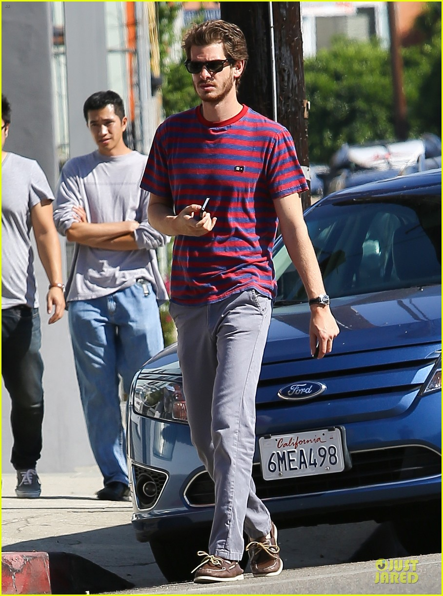 andrew garfield nautical sailing apparel shopping in venice 072732017