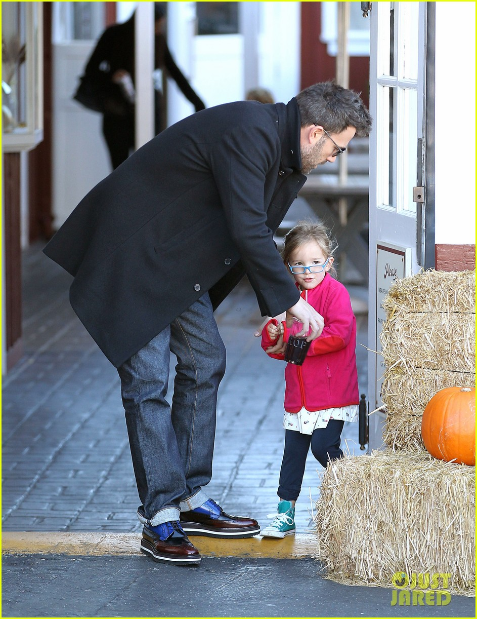 jennifer garner ben affleck brentwood breakfast with seraphina 102744861
