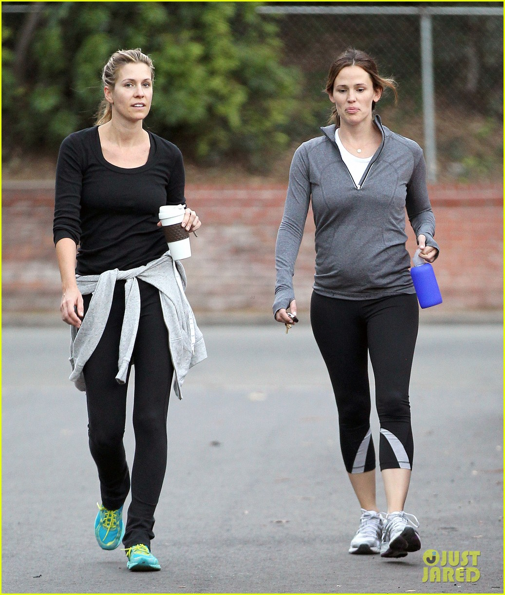 jennifer garner ben affleck brentwood breakfast with seraphina 15