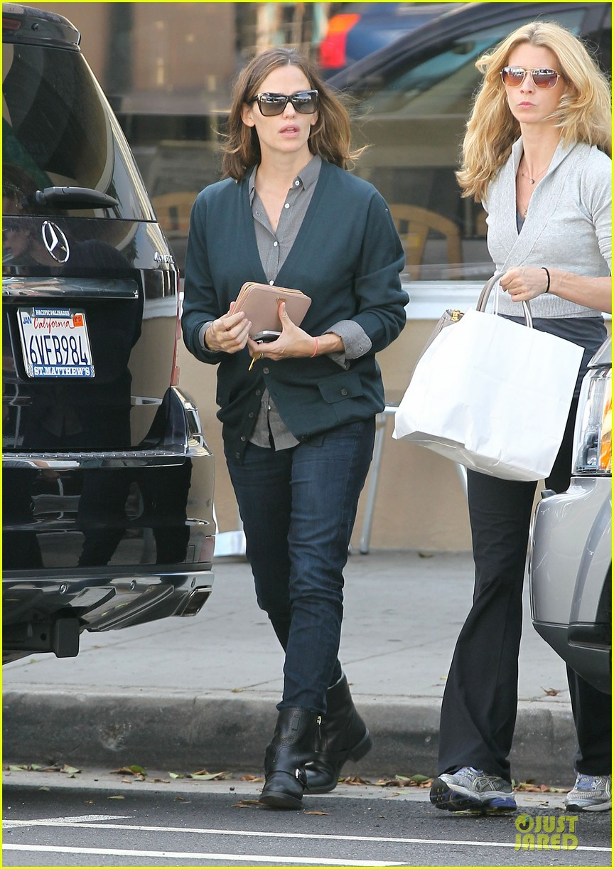 jennifer garner karate class with seraphina 05