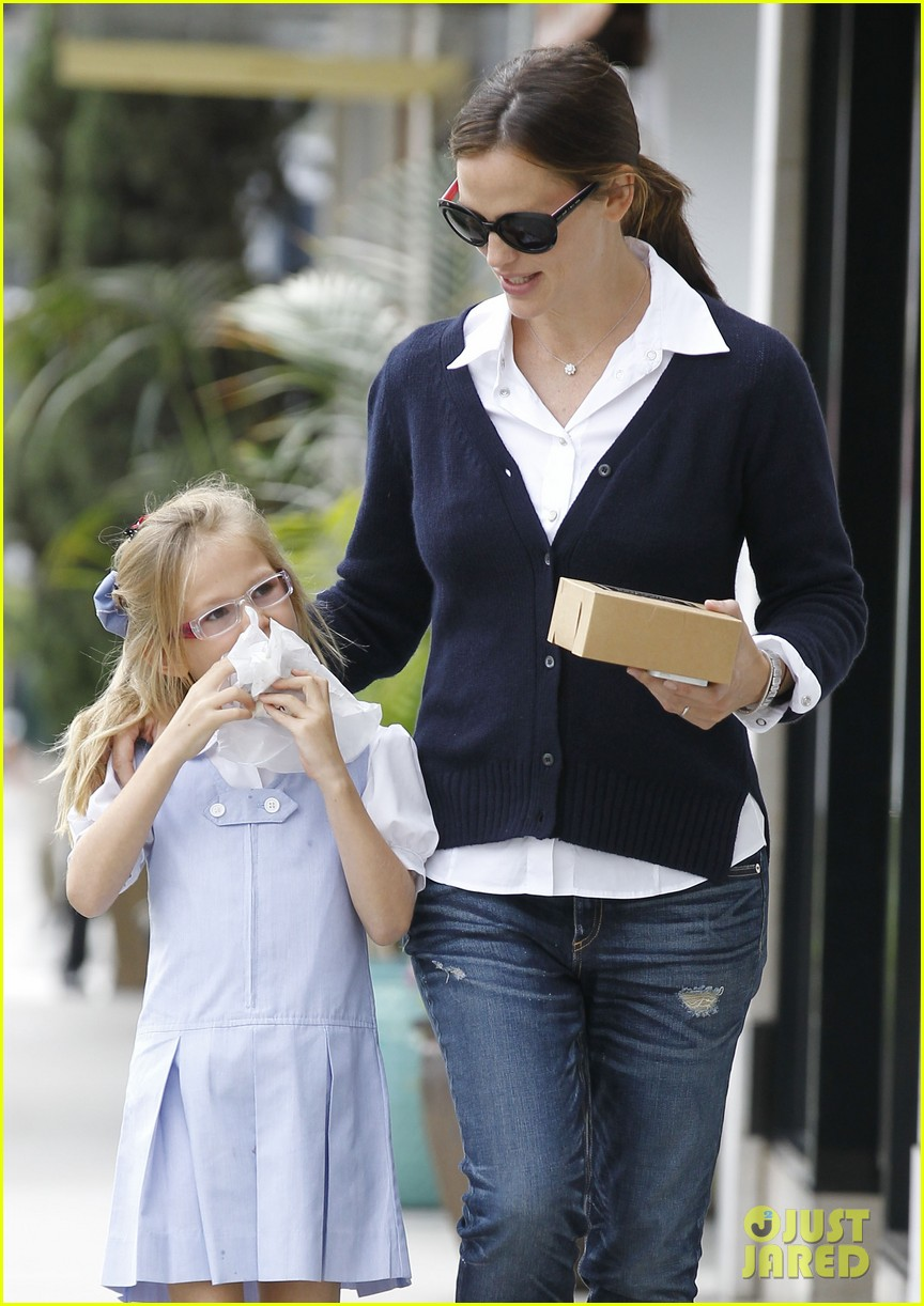 jennifer garner after school snack time 022742867
