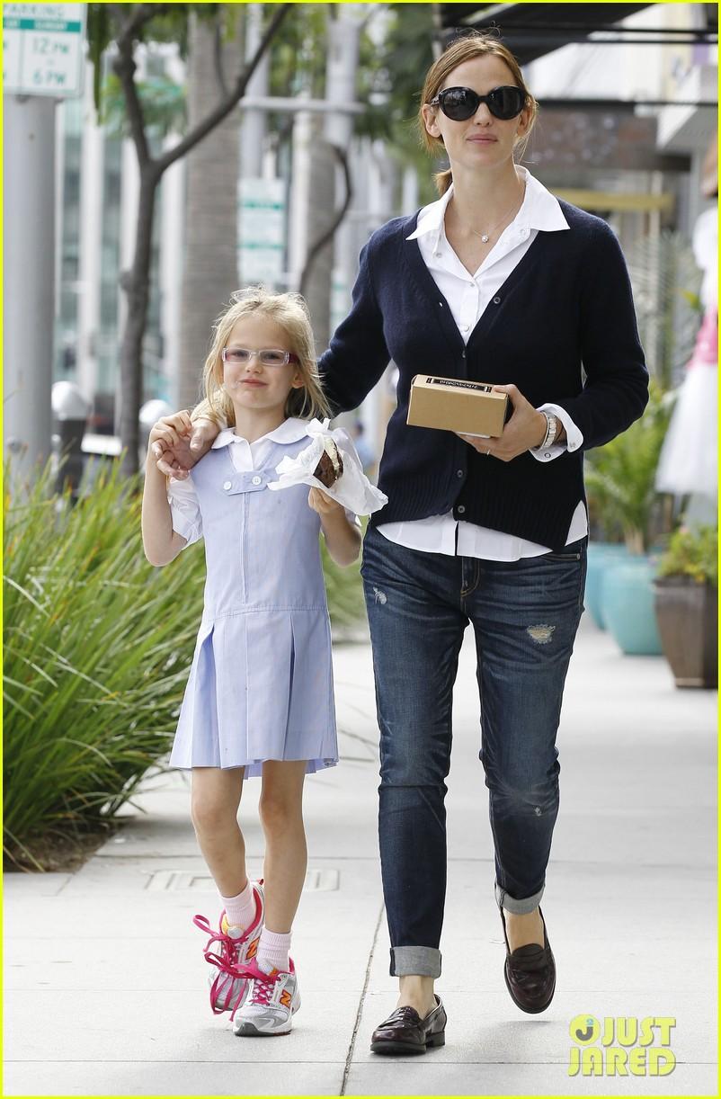 Дженнифер Гарнер с дочерью