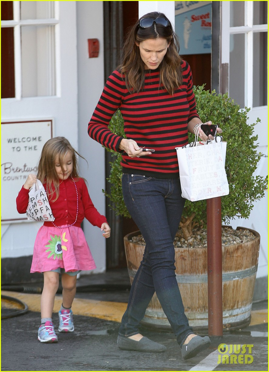 jennifer garner breakfast to go with seraphina samuel 012732800