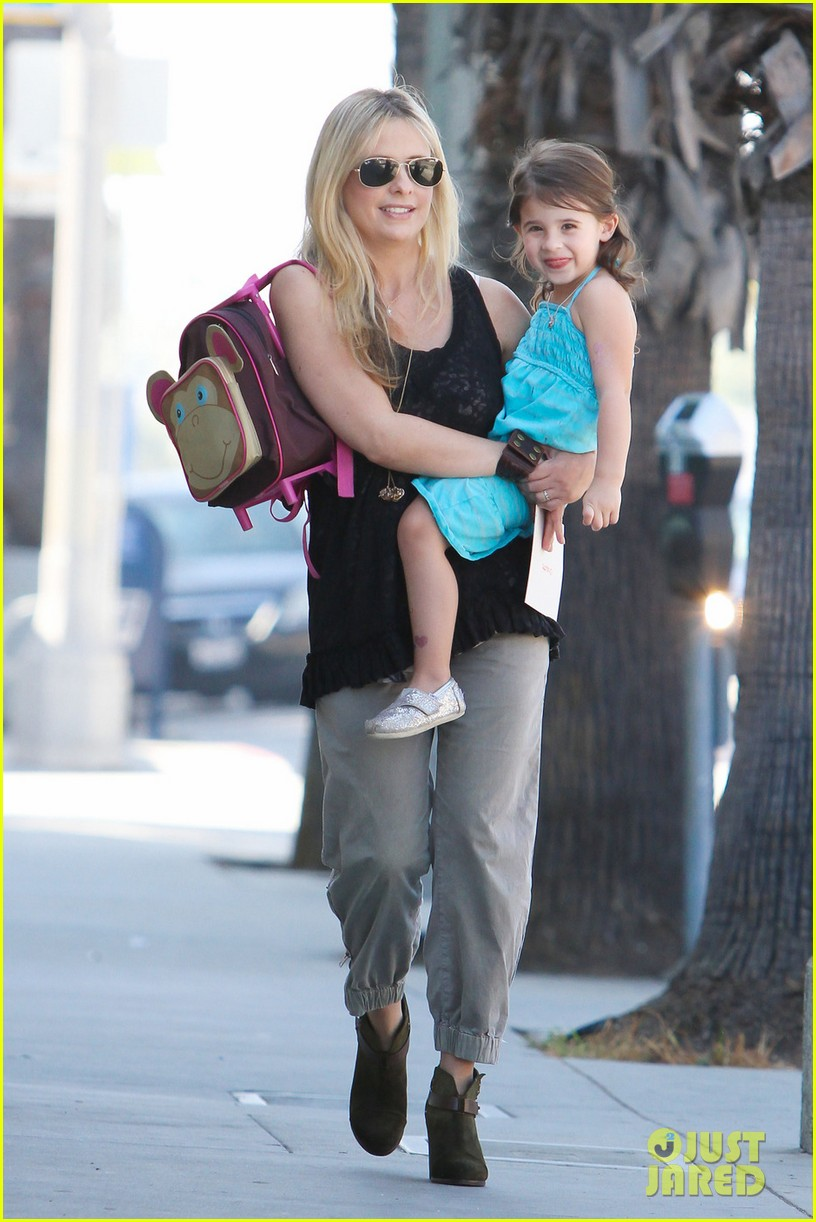 sarah michelle gellar mommy daughter tuesday twosome 012749087