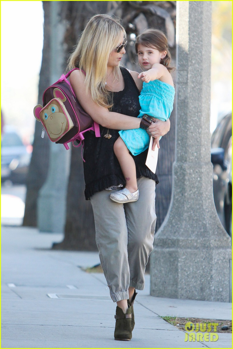 sarah michelle gellar mommy daughter tuesday twosome 02