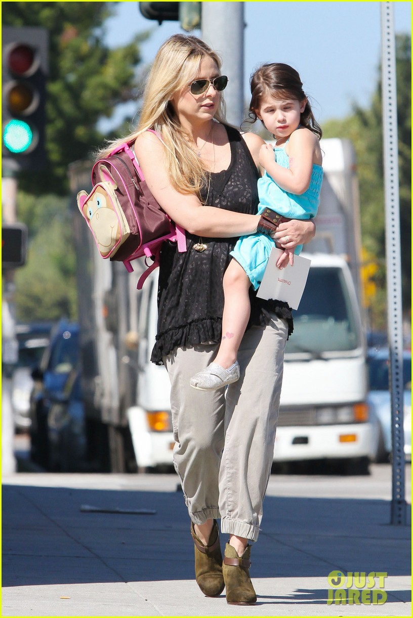 sarah michelle gellar mommy daughter tuesday twosome 042749090