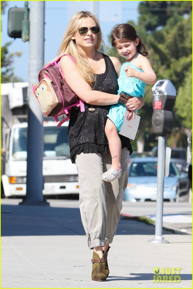 sarah michelle gellar mommy daughter tuesday twosome 062749092