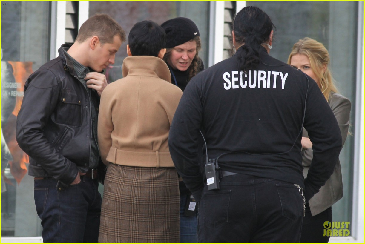 ginnifer goodwin josh dallas once upon a time pawn shop filming 022745979