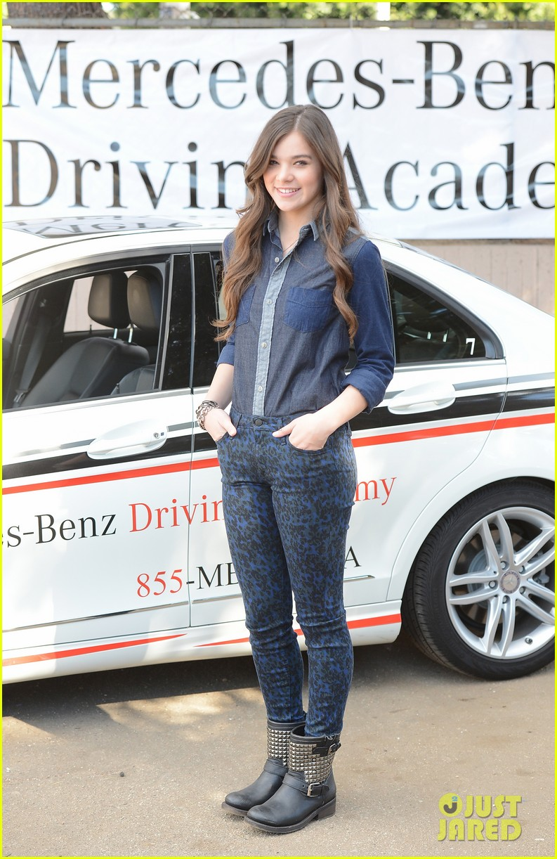 hailee steinfeld national teen driver safety week kick off 032738743