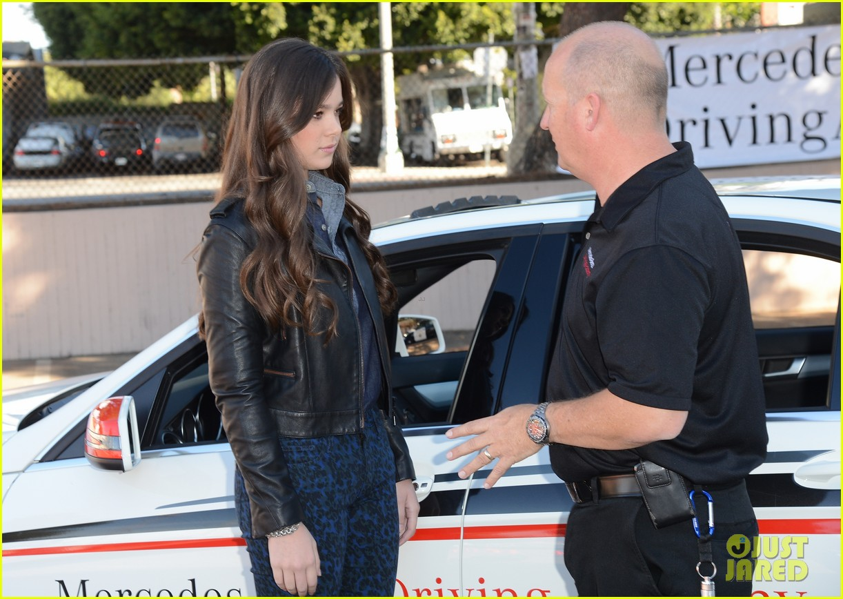 hailee steinfeld national teen driver safety week kick off 072738747