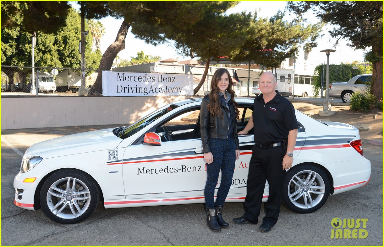 hailee steinfeld national teen driver safety week kick off 102738750