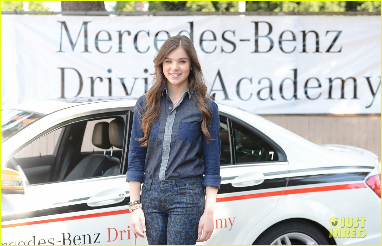 hailee steinfeld national teen driver safety week kick off 142738754