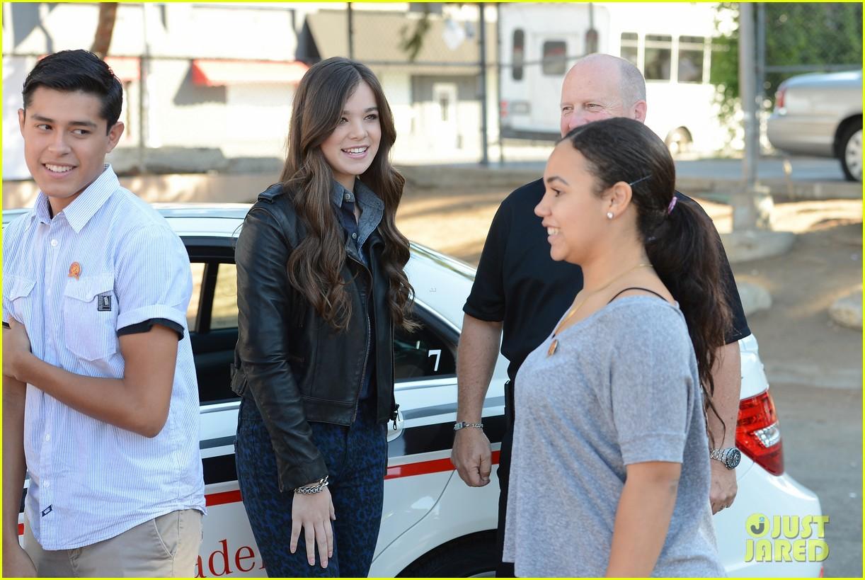 hailee steinfeld national teen driver safety week kick off 202738760