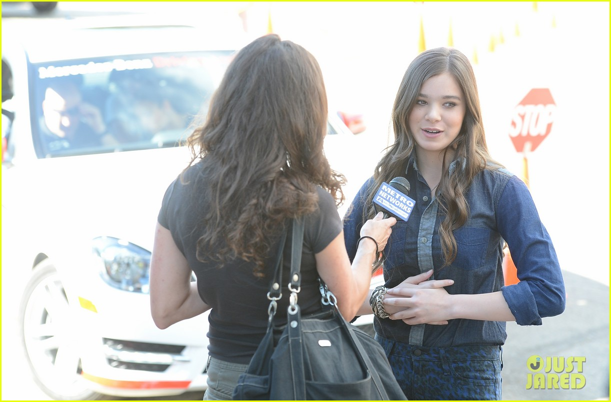 hailee steinfeld national teen driver safety week kick off 212738761