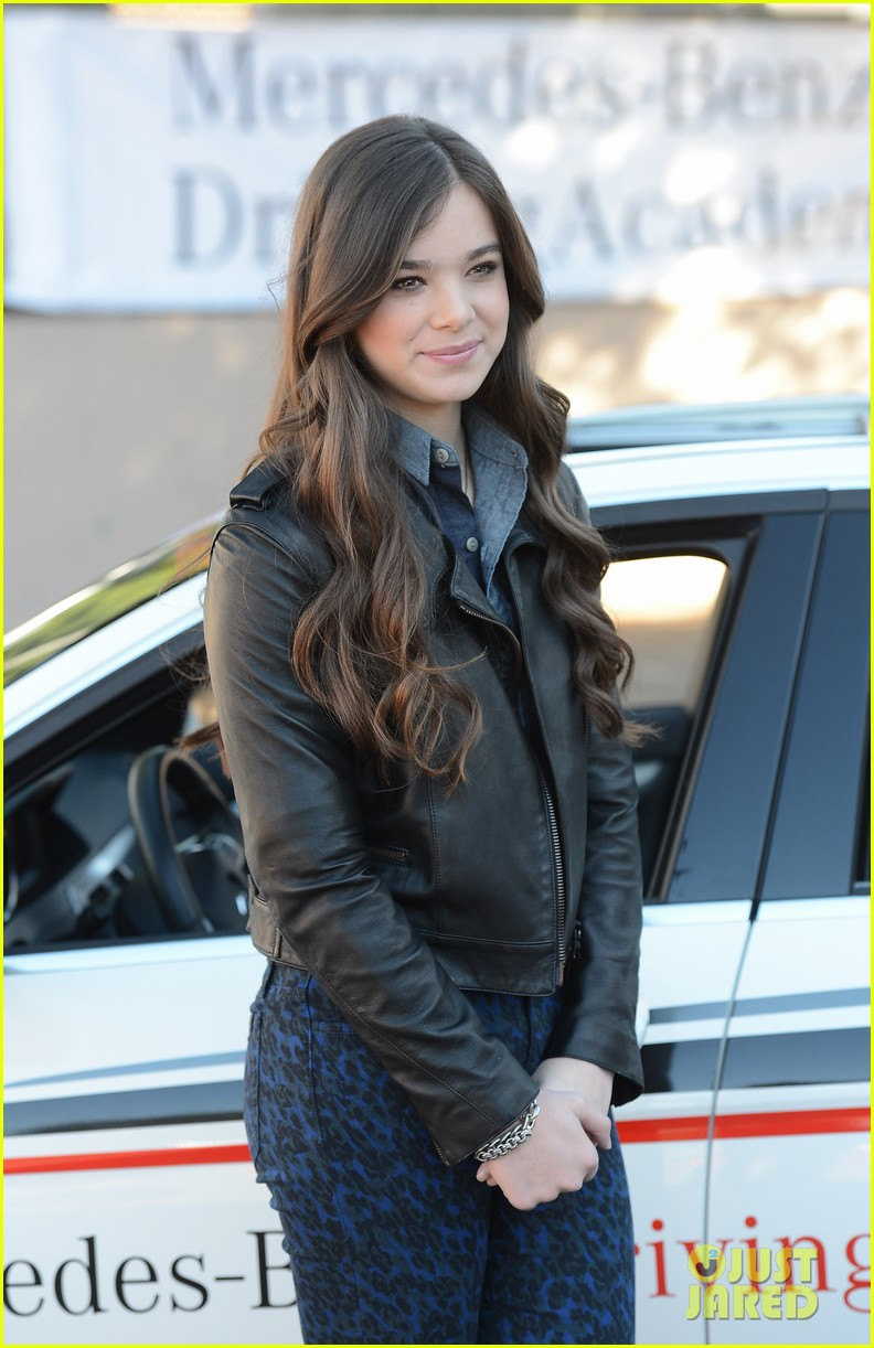 hailee steinfeld national teen driver safety week kick off 222738762