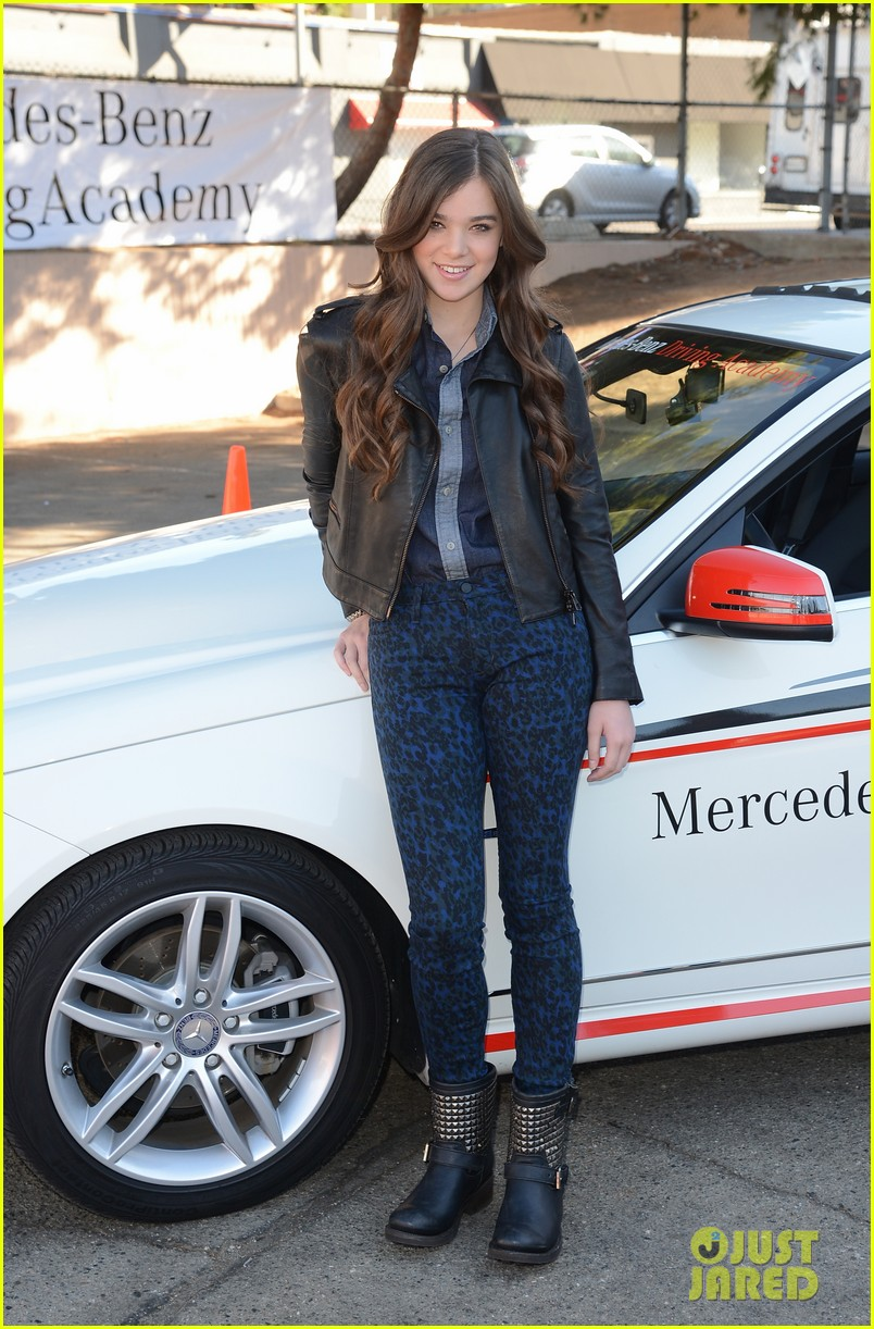 hailee steinfeld national teen driver safety week kick off 292738769