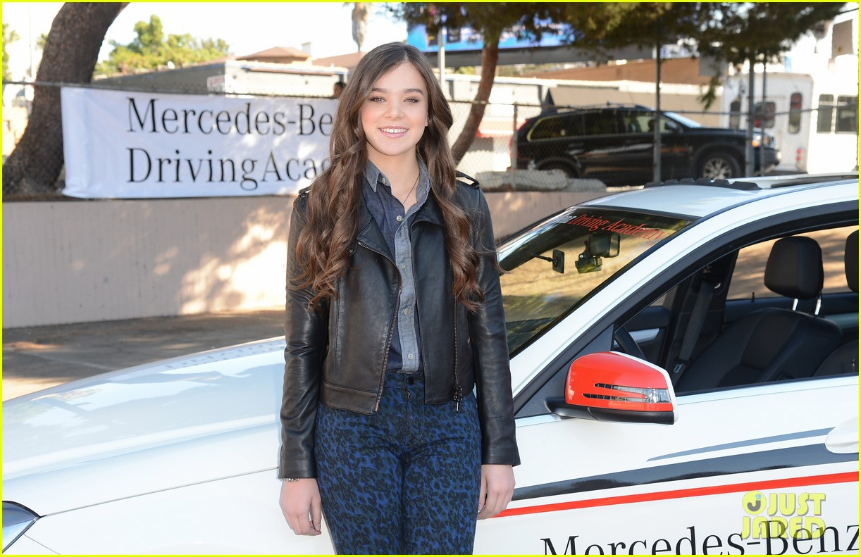 hailee steinfeld national teen driver safety week kick off 312738771