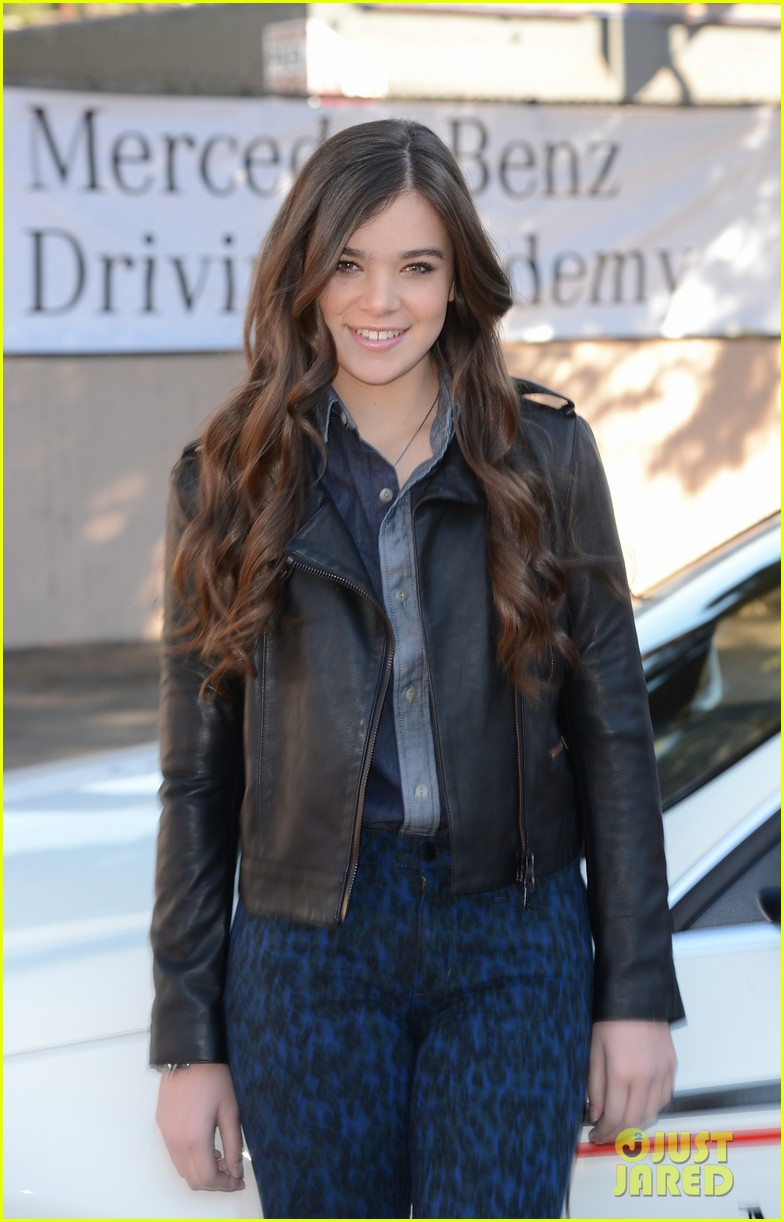 hailee steinfeld national teen driver safety week kick off 322738772
