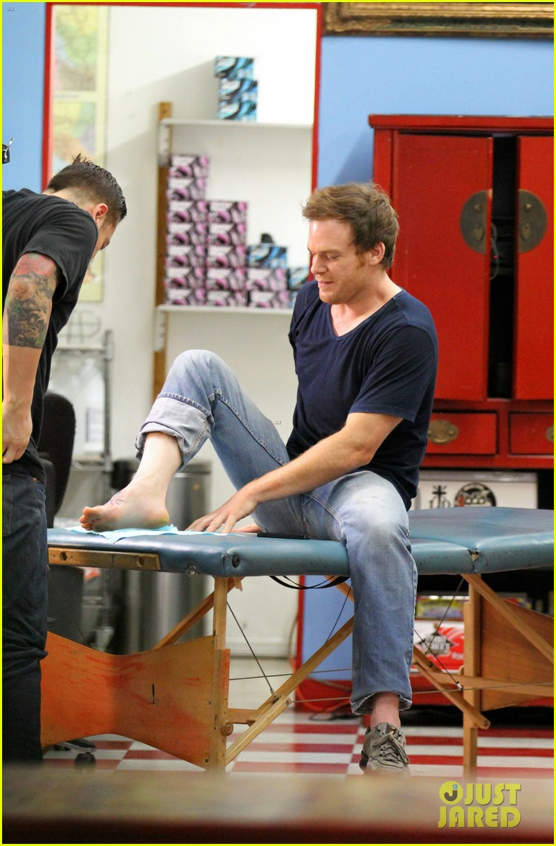 michael c hall gets new foot tattoo 092731822