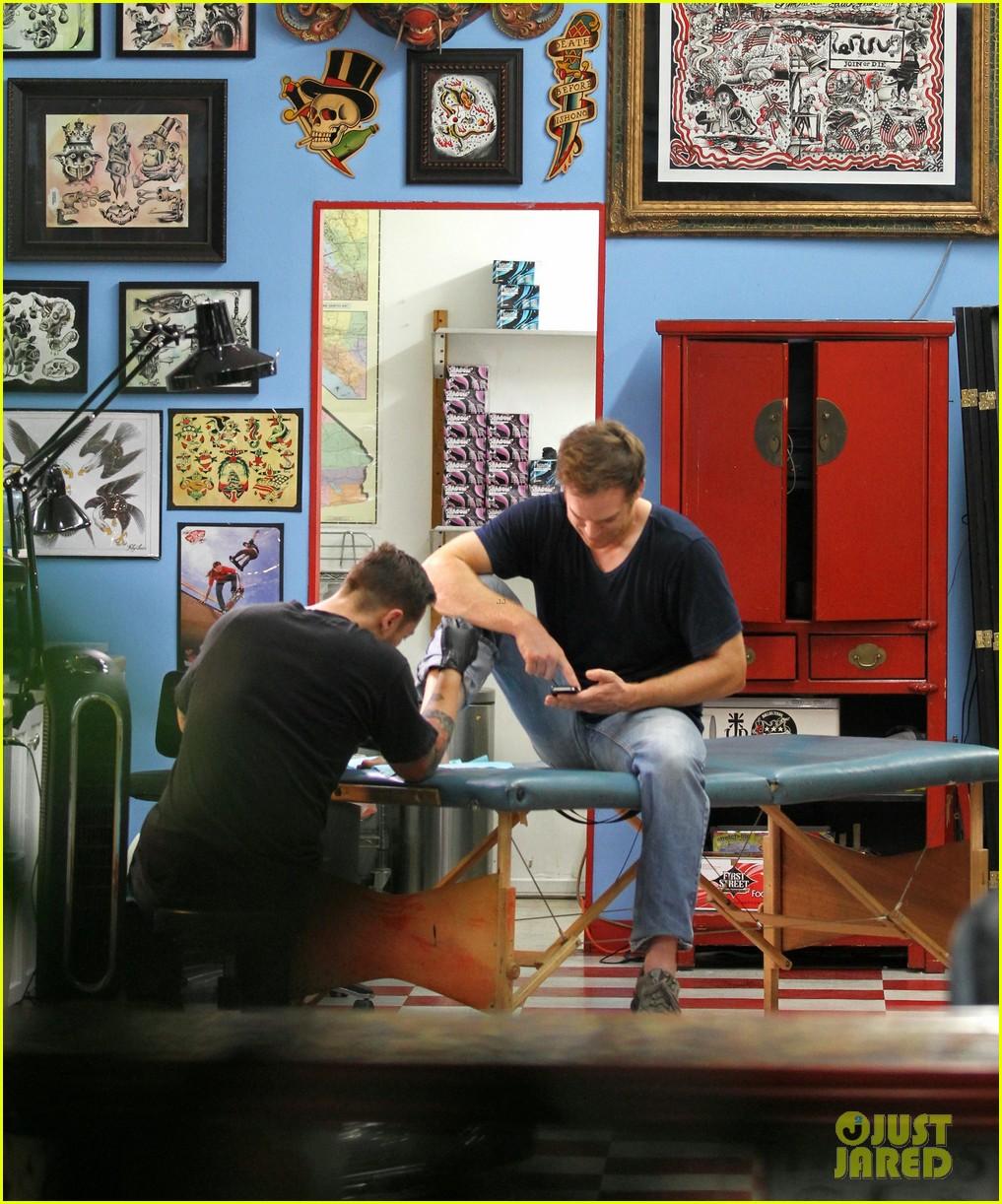 michael c hall gets new foot tattoo 12