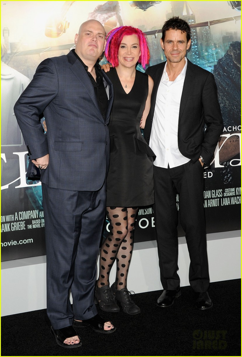 tom hanks keanu reeves cloud atlas premiere 052744432
