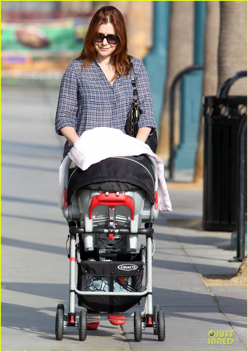 alyson hannigan santa monica fun with the family 052730953