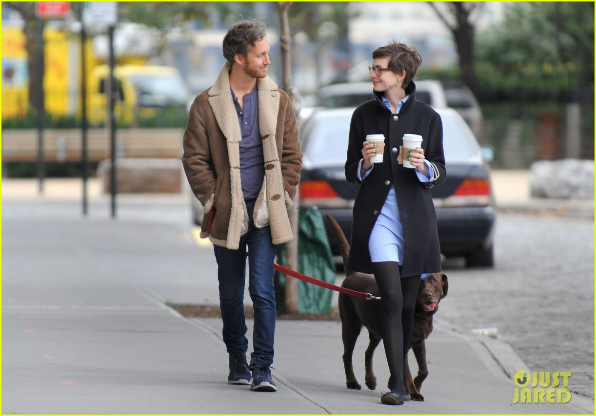 anne hathaway adam shulman coffee dog walk 142745071