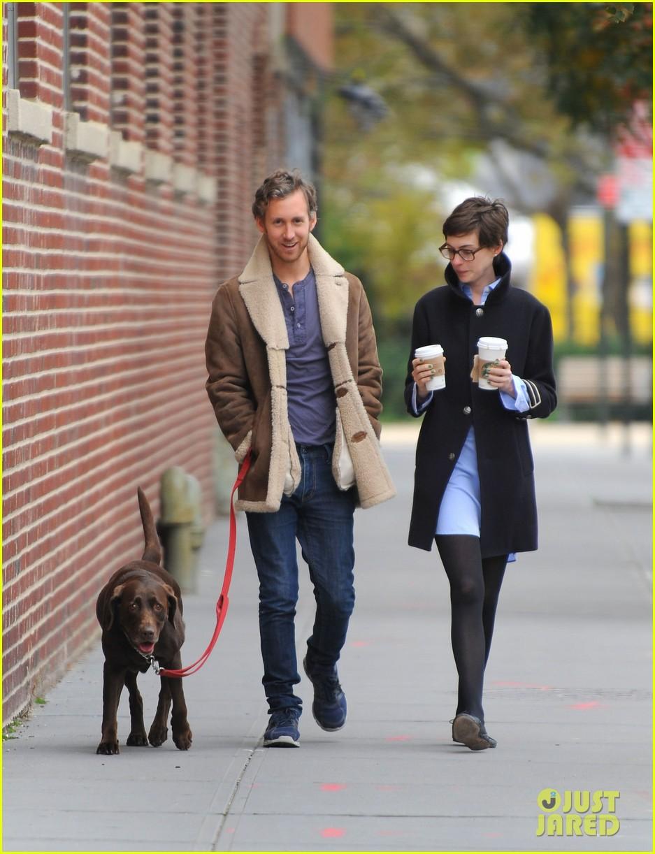 anne hathaway adam shulman coffee dog walk 162745073