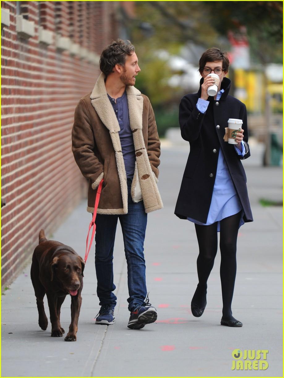 anne hathaway adam shulman coffee dog walk 192745076