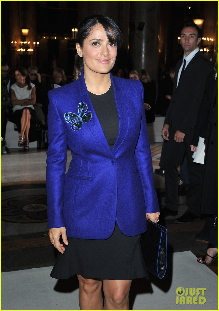 salma hayek stella mccartney paris fashion week show 052731209