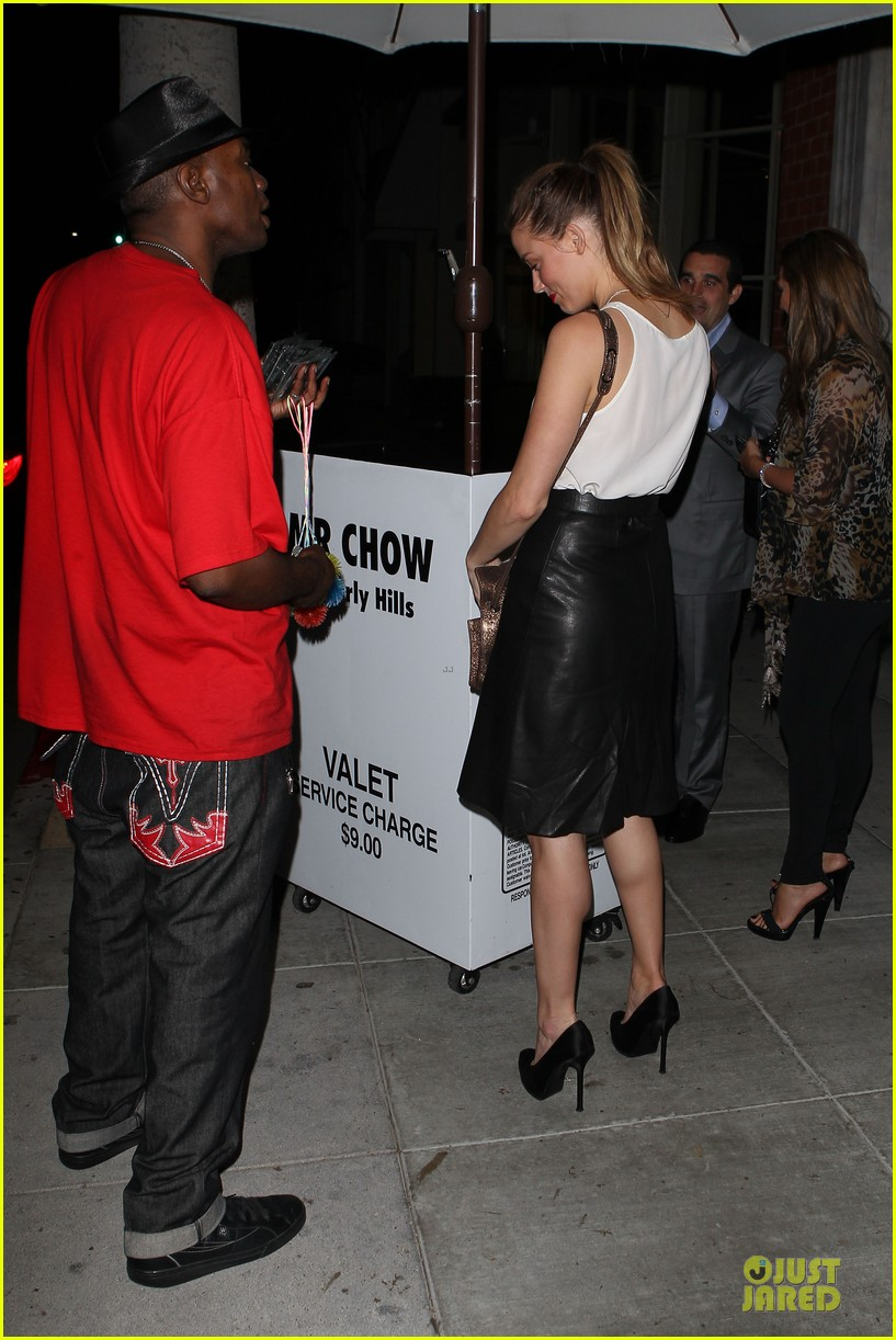 amber heard mr.chow restaurant stop 102732337