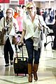 katherine heigl departing flight with mom nancy 20