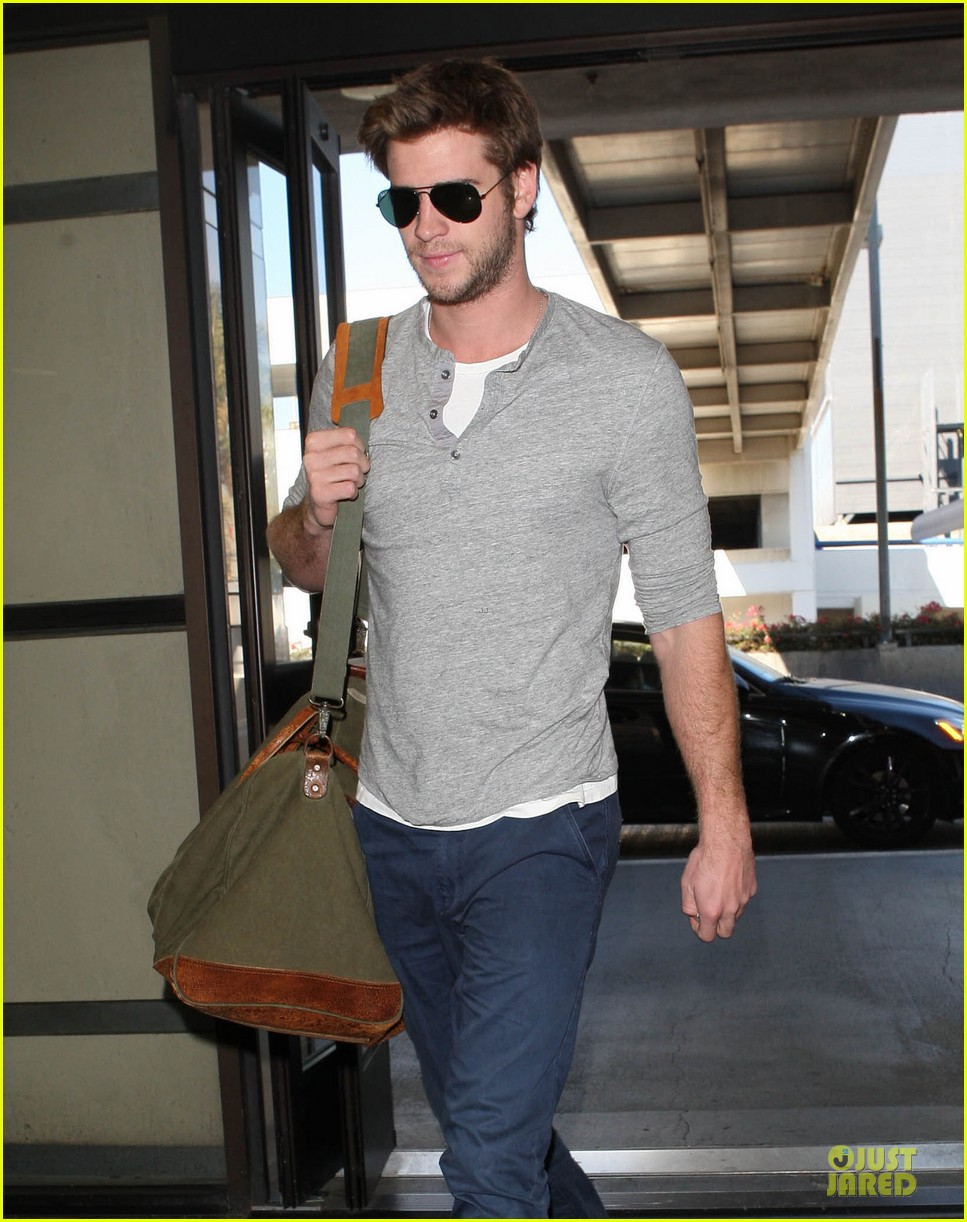 liam hemsworths fiancee miley cyrus right about wedding bells 082748628