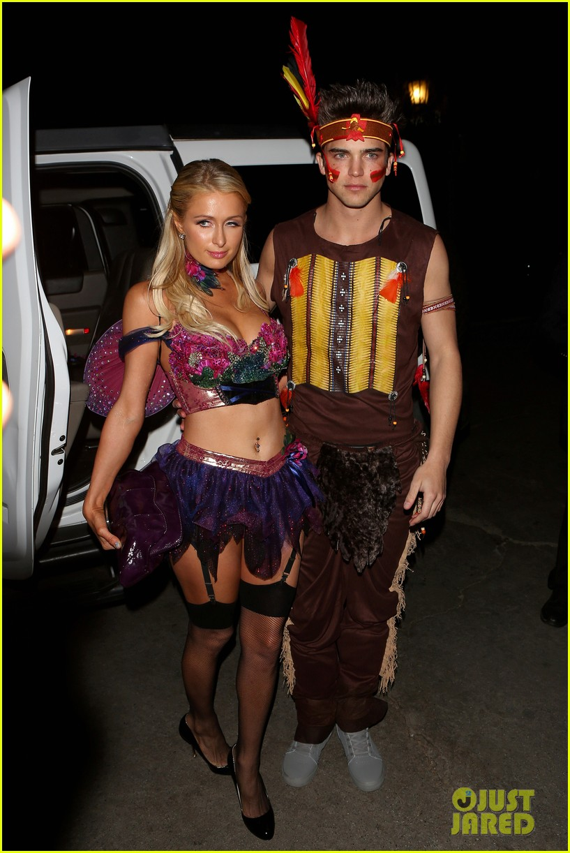 paris hilton river vilperi halloween party pair 06