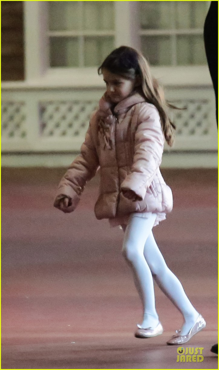 katie holmes suri cruise bowling duo chelsea piers 042742281