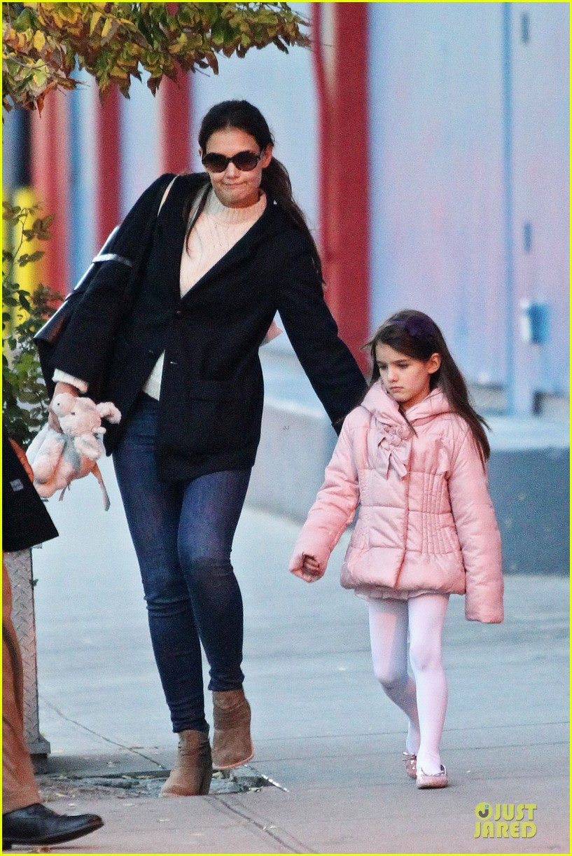 katie holmes suri cruise bowling duo chelsea piers 052742282
