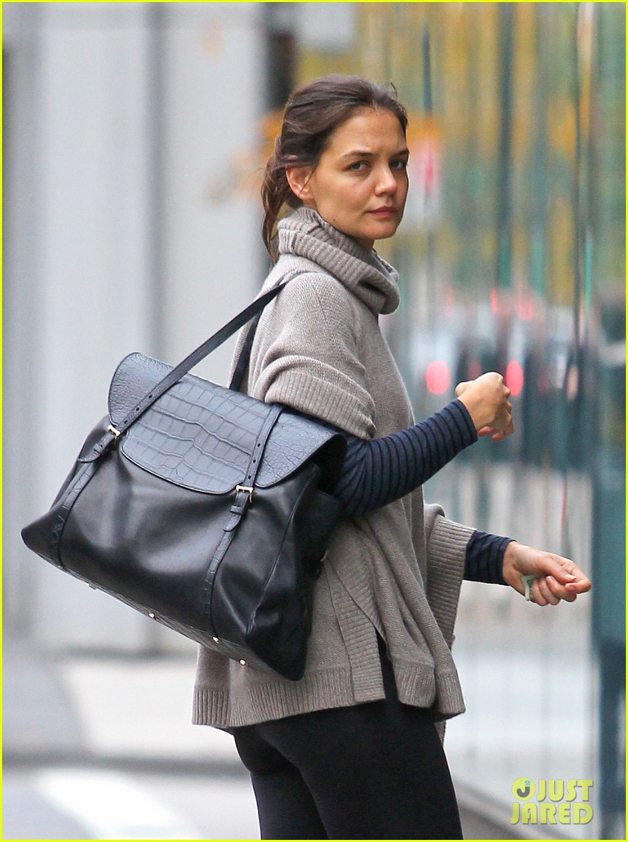 katie holmes project runway all stars guest judge first look 032744751