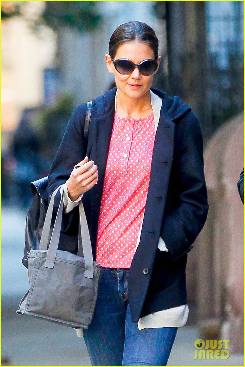 katie holmes early morning stroll with guy pal 022736517