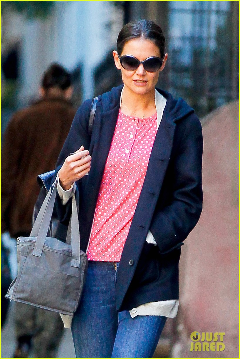 katie holmes early morning stroll with guy pal 042736519