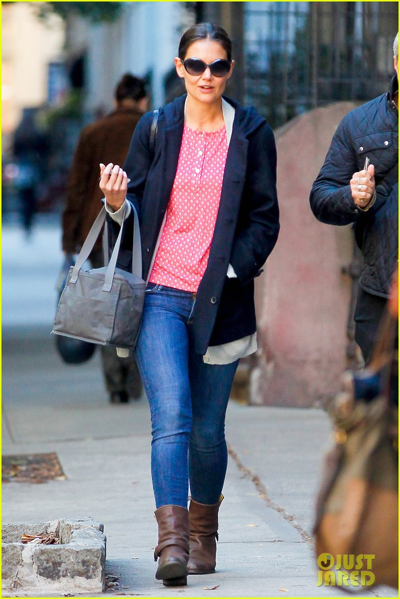 katie holmes early morning stroll with guy pal 092736524