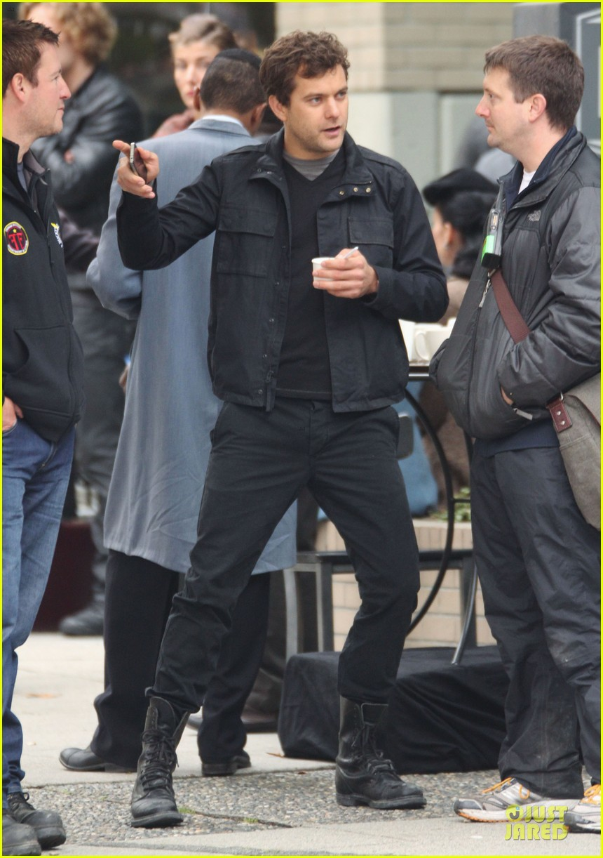 joshua jackson streches on fringe set 212739083