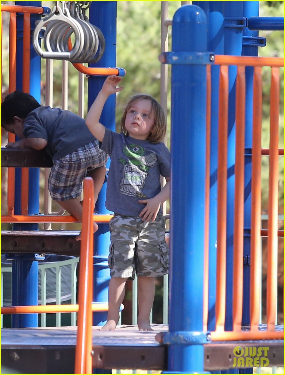 angelina jolie park playtime with knox vivienne 072746359