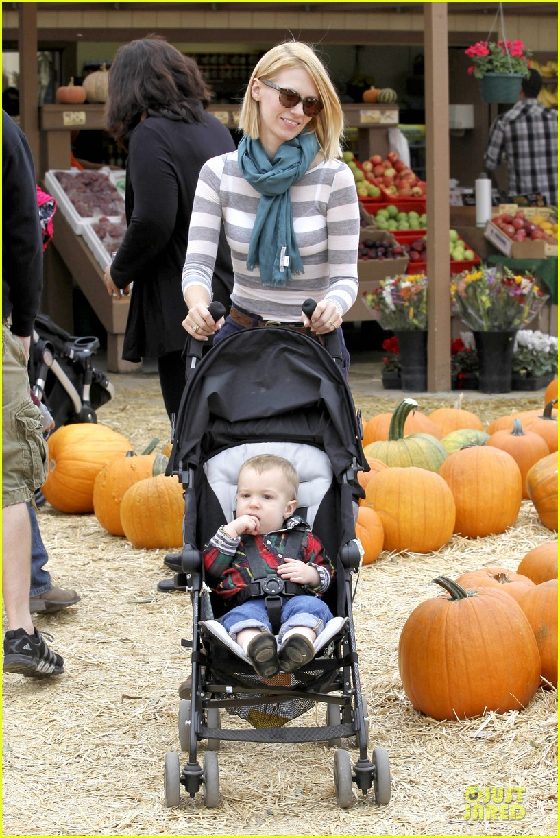 january jones pumpkin patch with xander 012742205