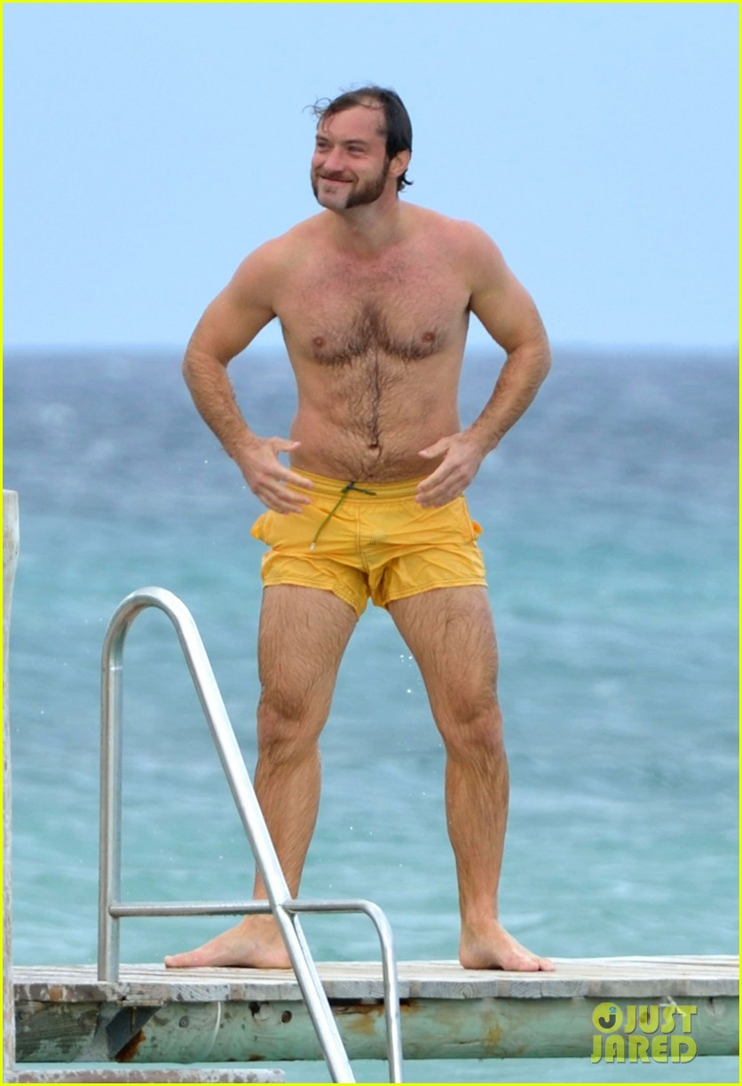 jude law shirtless swim st tropez 032738090