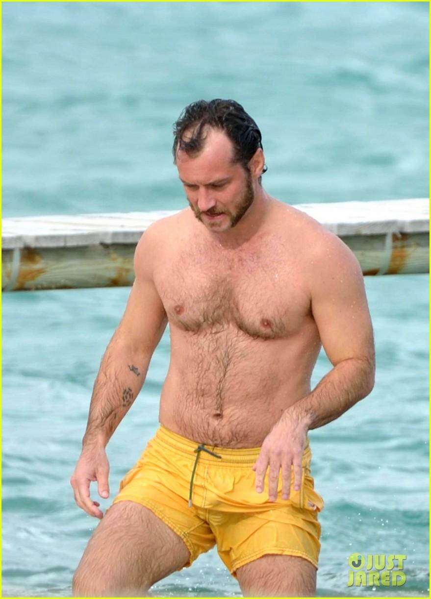 jude law shirtless swim st tropez 042738091