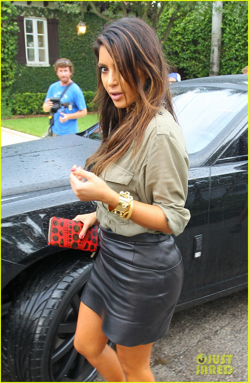 kim kardashian kanye west house hunting in miami 06