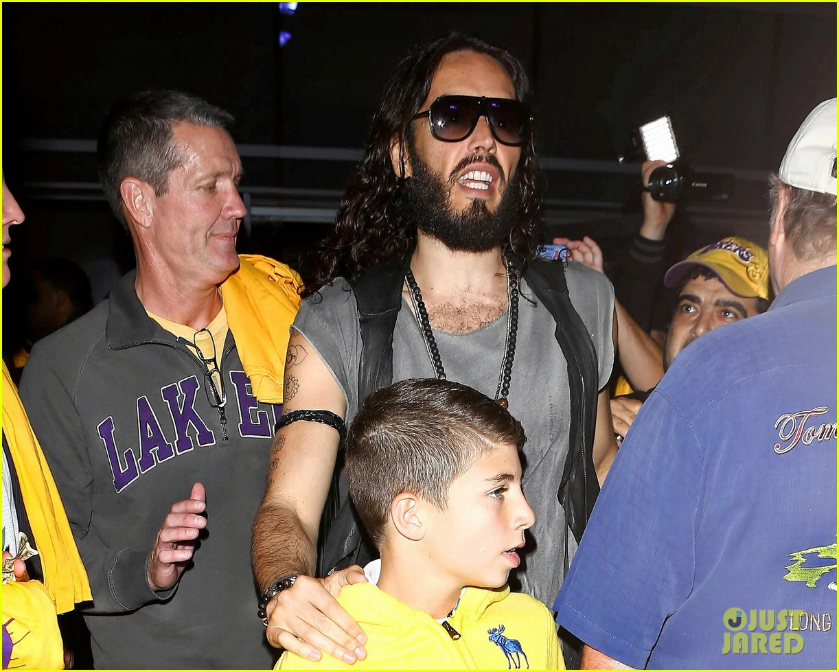 katy perry russell brand attend lakers season opener separately 022748787