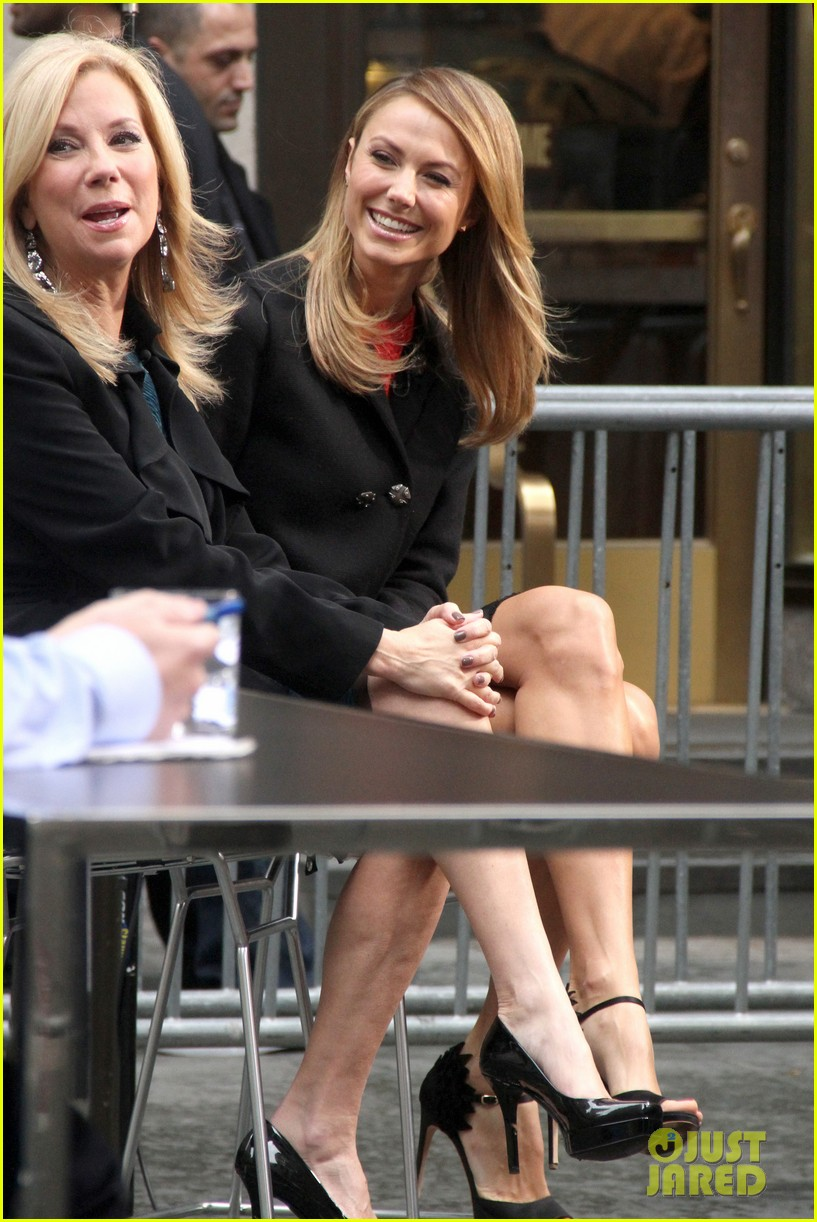 stacy keibler george clooney hes good at everything 012744766