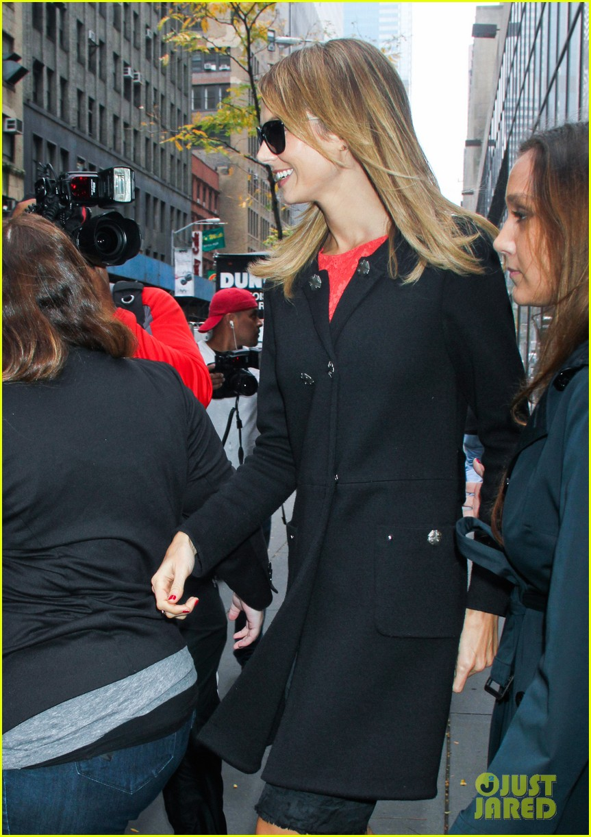 stacy keibler george clooney hes good at everything 052744770